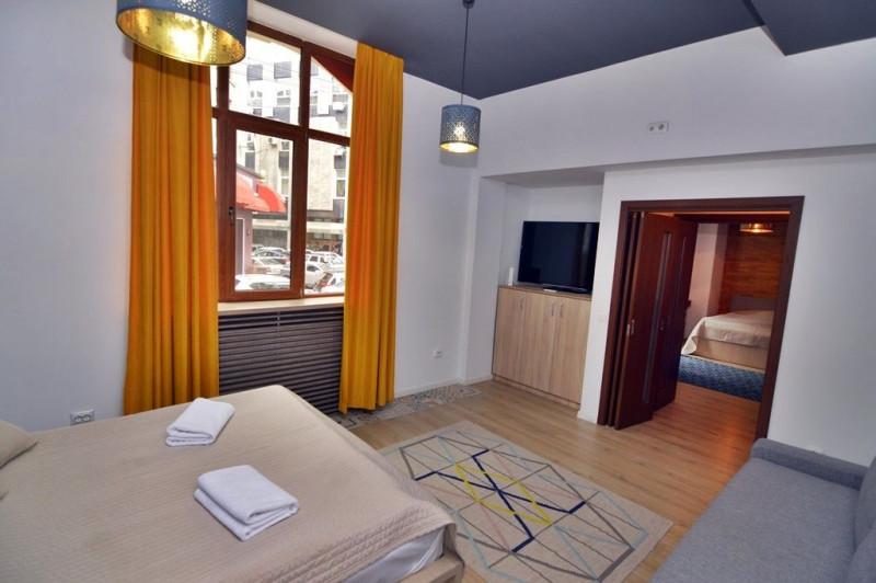 Apartament renovat, cu intrare dedicata | Afacere in derulare pe Booking