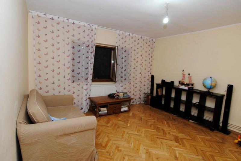 Apartament 3 camere in apropiere de Zepter