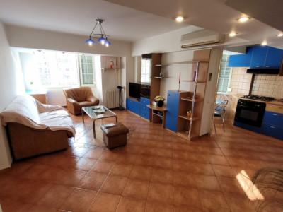 Apartament spatios in apropiere de Camera de Comert