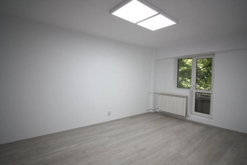 3 camere 65mp pretabil ca spatiu birouri in apropiere de Camera de Comert