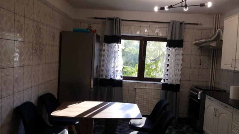 3 camere, decomandat, recent renovat in apropiere de Camera de Comert