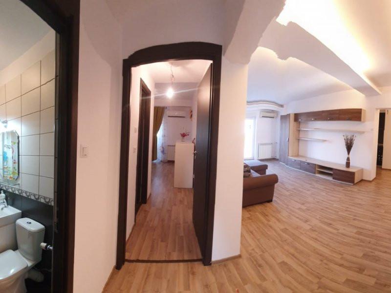 Apartament deosebit de 4 camere cu vedere catre Casa Poporului