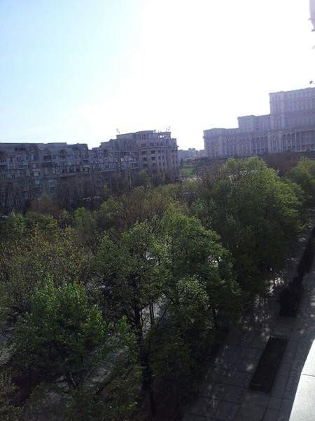 Apartament deosebit pe Bulevardul Unirii cu vedere la Casa Poporului