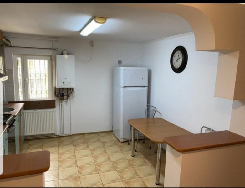 Apartament compartimentat H Brancoveanu